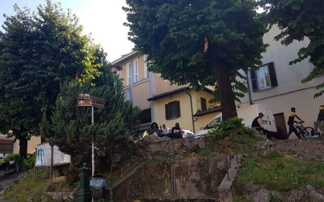 Piazza San Rocco e migranti: esasperare le situazioni e non affrontarle